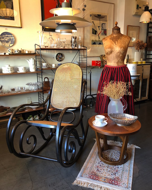 トーネット、ロッキングチェア、曲げ木家具、レーン、コーヒーテーブル、ヴィンテージ家具、クラシックモダン