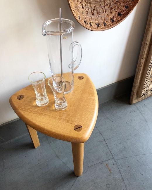 ヴィンテージ家具、クラフト家具、ルーローの三角形、スツール、三つ脚、サイドテーブル