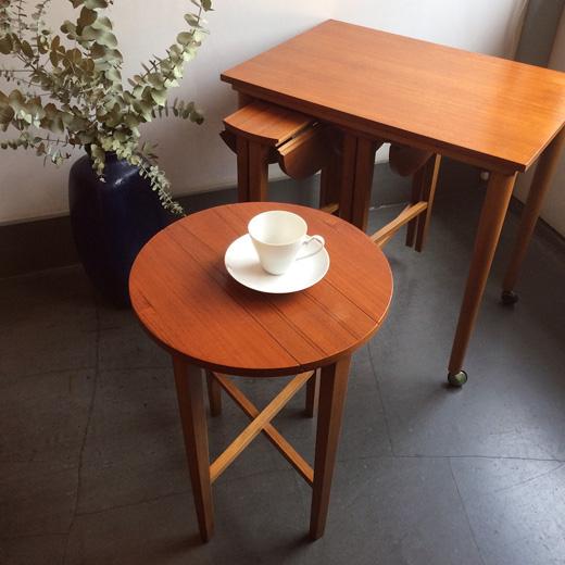 イギリスアンティーク、ヴィンテージ、ネストテーブル、フォールディングテーブル、ミッドセンチュリーモダン、北欧