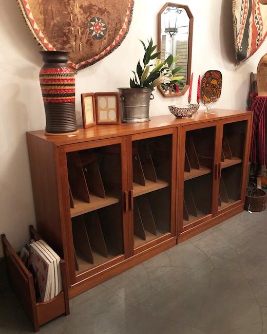レコードキャビネット、チーク家具、ブックキャビネット、モダンインテリア