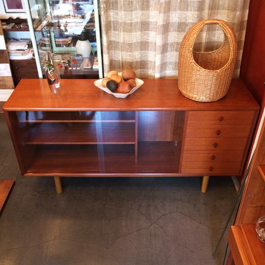 チークサイドボード、北欧デザイン、ヴィンテージ家具、モダン