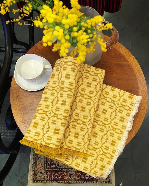 織物、スウェーデン、ダーラドレル、ヴィンテージファブリック、テーブルクロス、イエロー、手織り