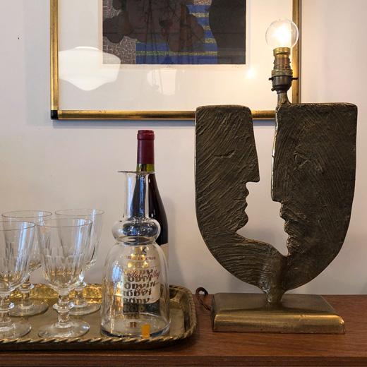ヴィンテージ照明、テーブルランプ、真鍮ランプ、彫刻、見つめ合う男女、モダンデザイン、アートオブジェ