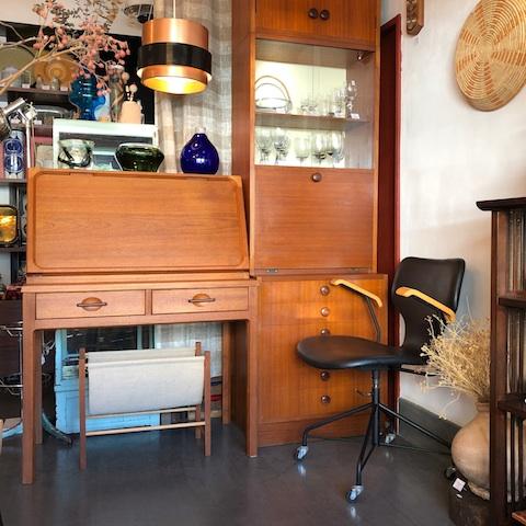 チーク家具、ヴィンテージ、北欧、ライティングデスク、日田工芸、食器棚