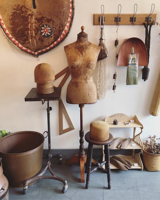 ヴィンテージインテリア、ナンセンス下北沢、アンティークトルソ、帽子型、古道具、アトリエ