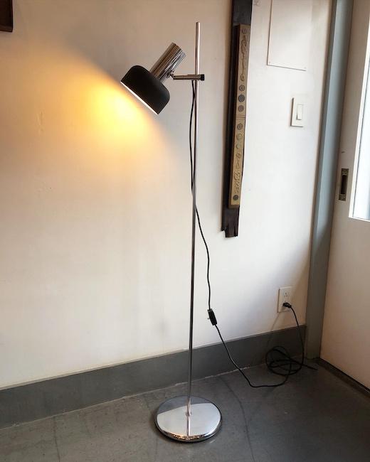 ヴィンテージ照明、フロアライト、フロアランプ、ドイツヴィンテージ、バウハウスデザイン、モダン