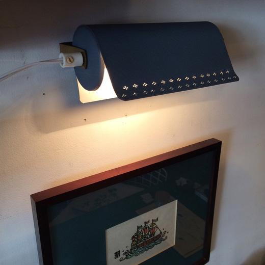 北欧ヴィンテージ、ウォールライト、読書灯、スウェーデン、モダンデザイン、ブルーグレー、ブラケットランプ