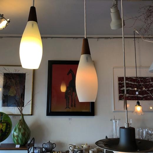 ヴィンテージ照明、ヤマギワ、ペンダントライト、乳白ガラス、しずく型、ドロップ、モダン照明